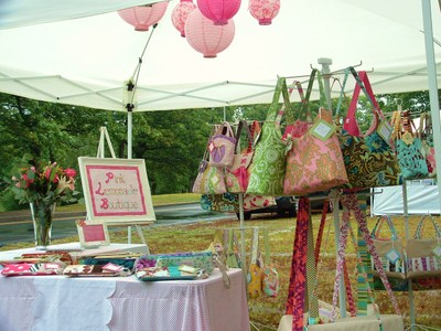 Craft Booth Tent http://pinklemonadeboutique.typepad.com/pinklemonadeboutique/general_craftiness/